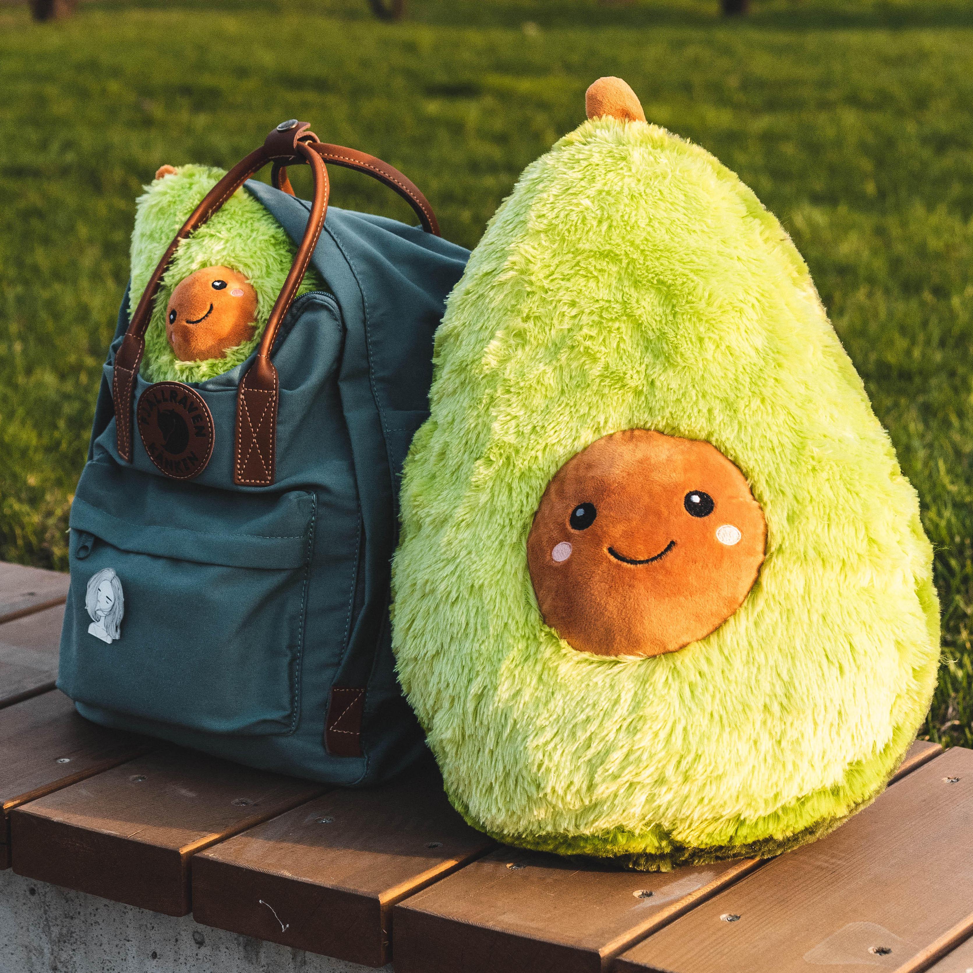 Мягкая игрушка Авокадо как аксессуар и атрибут в повседневной жизни