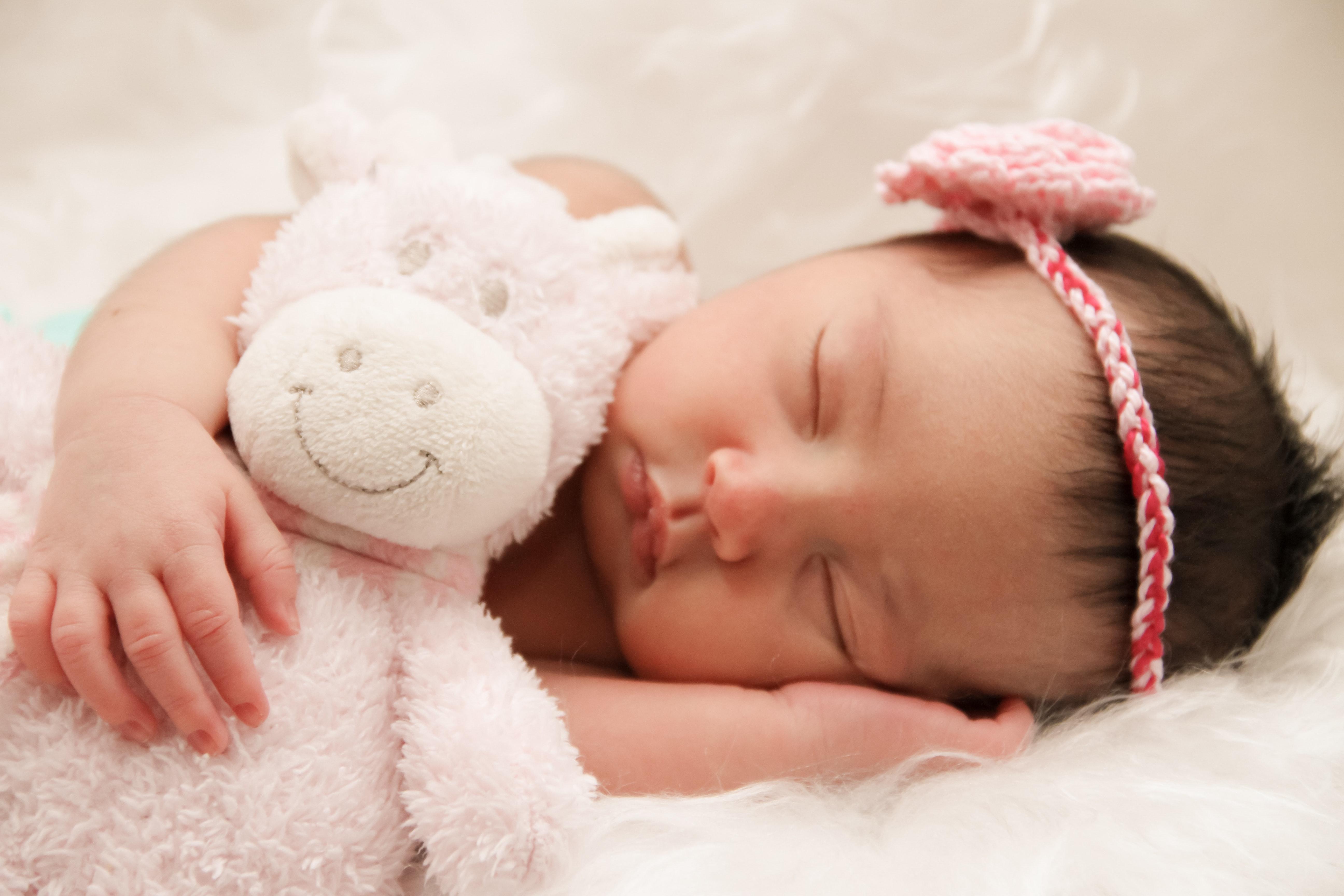 Почему дети спят с мягкой игрушкой